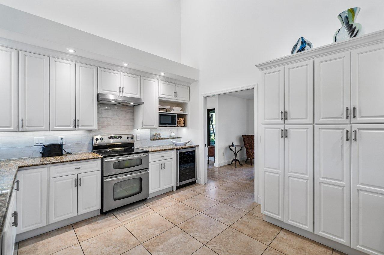 Belmont - kitchen 2
