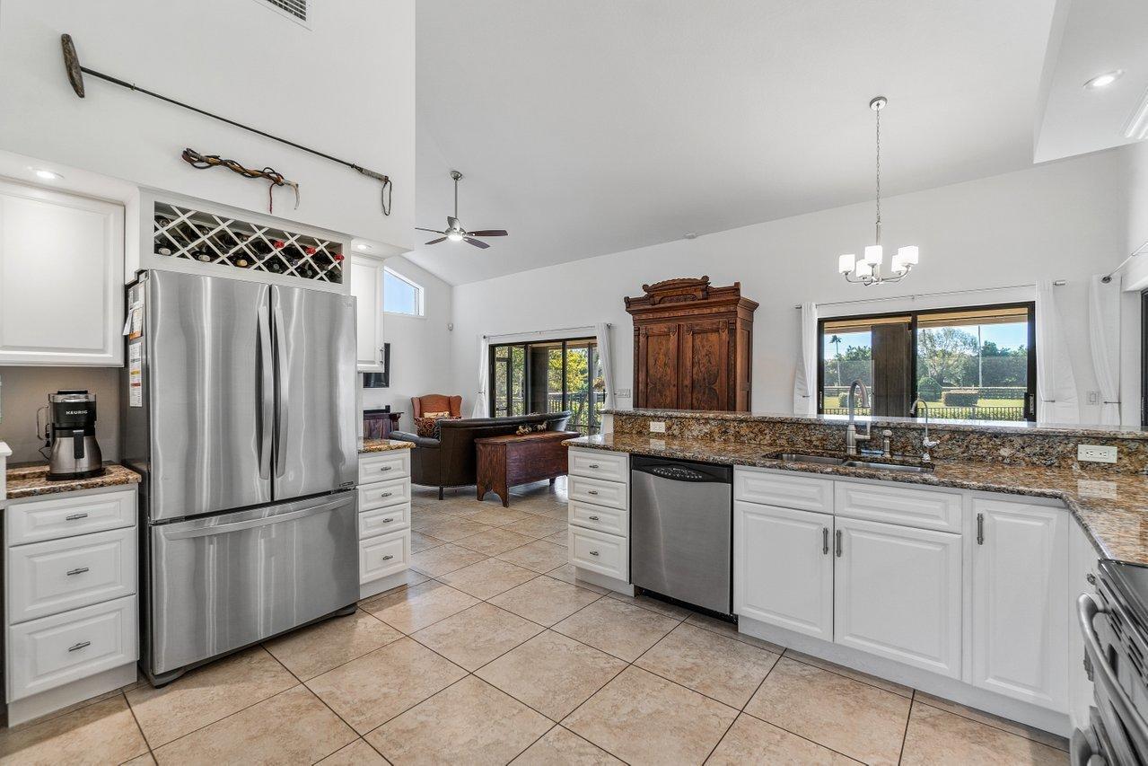 Belmont - kitchen 4