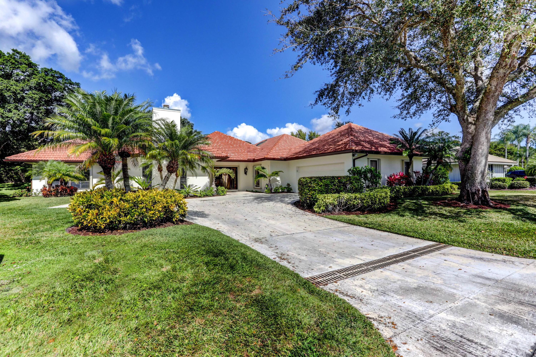 Photo of 2 Durness Court, Palm Beach Gardens, FL 33418