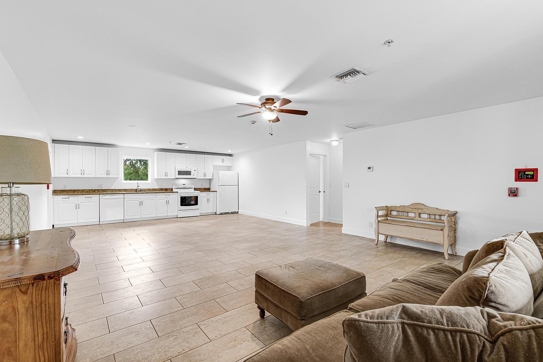 Groom's Quarters/Living area