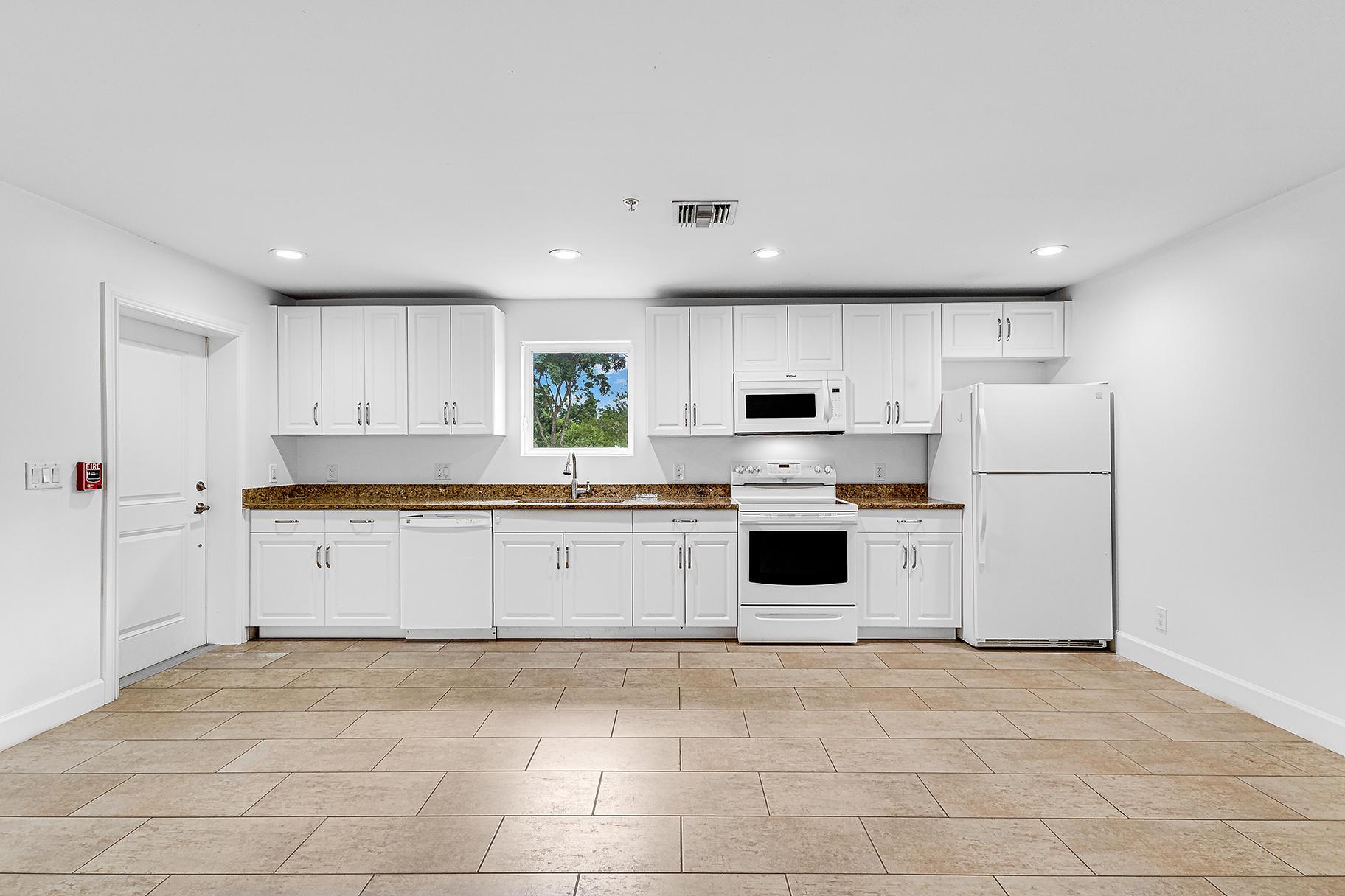 Groom's Quarters/Kitchen
