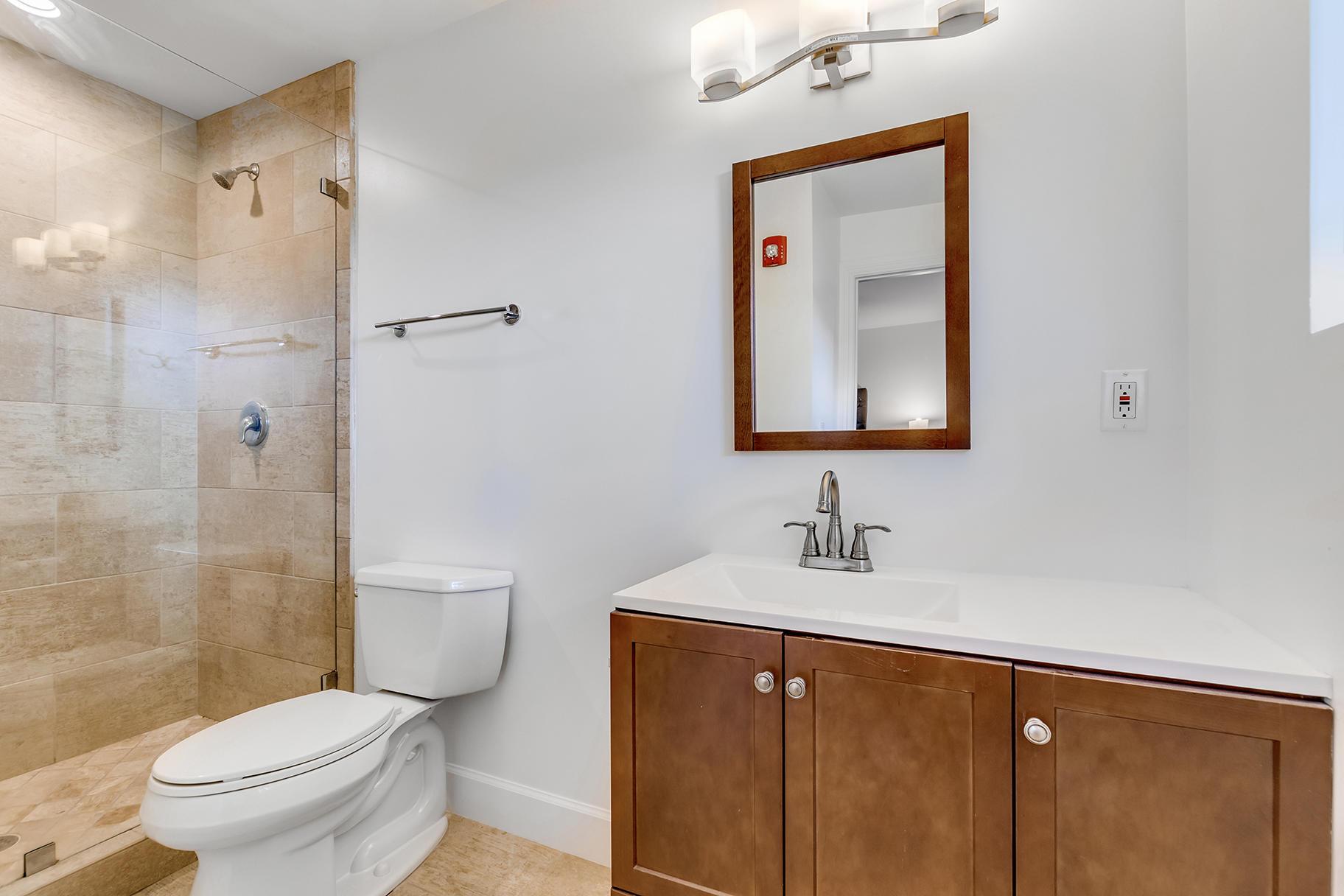 Groom's Quarters/Bathroom 1