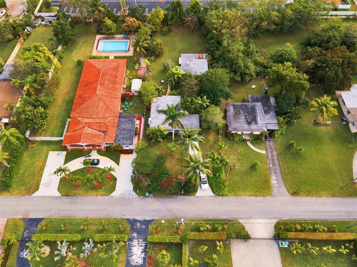 62-12_NE_146th_St_Miami_Aerial-19