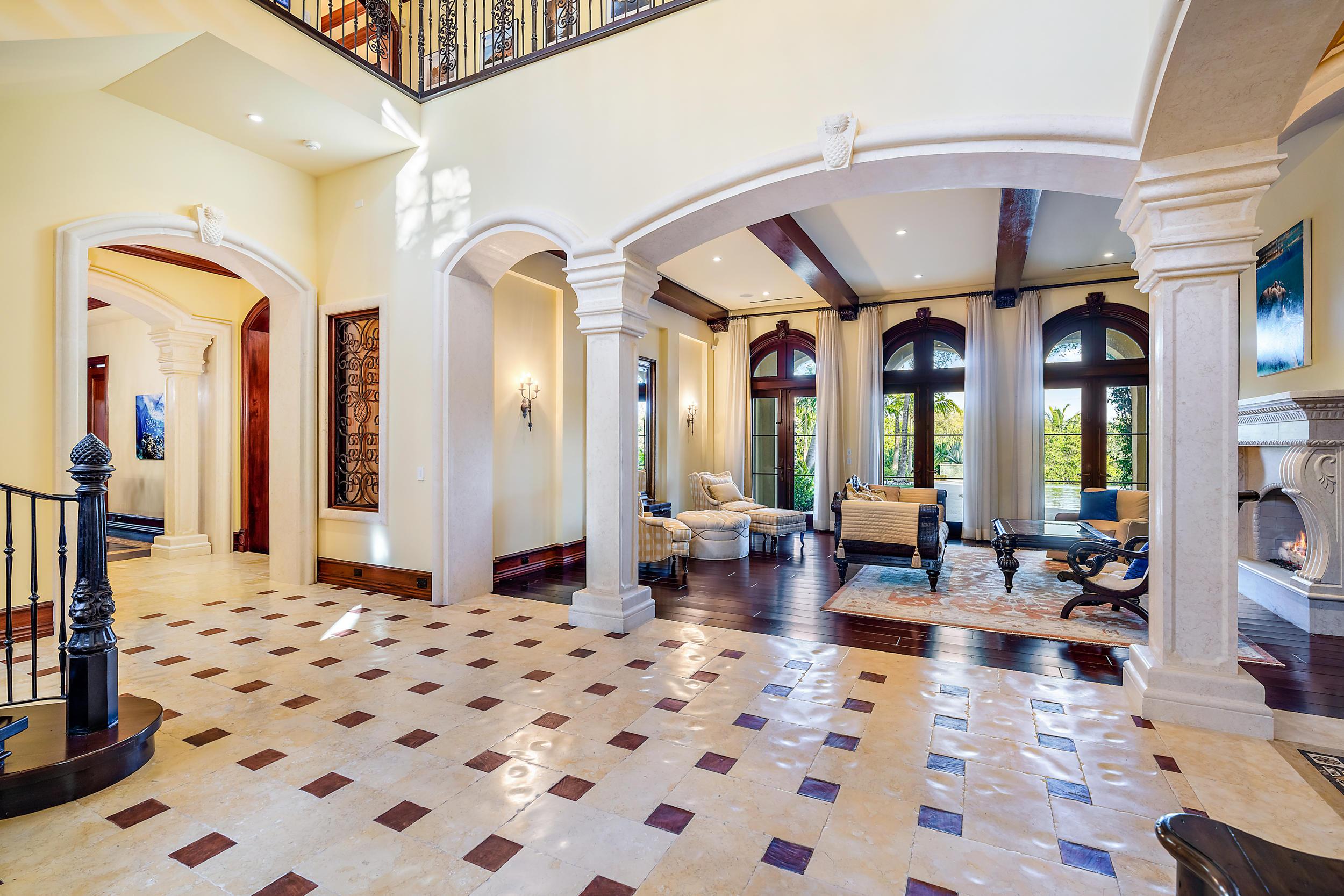 Foyer - Living Room