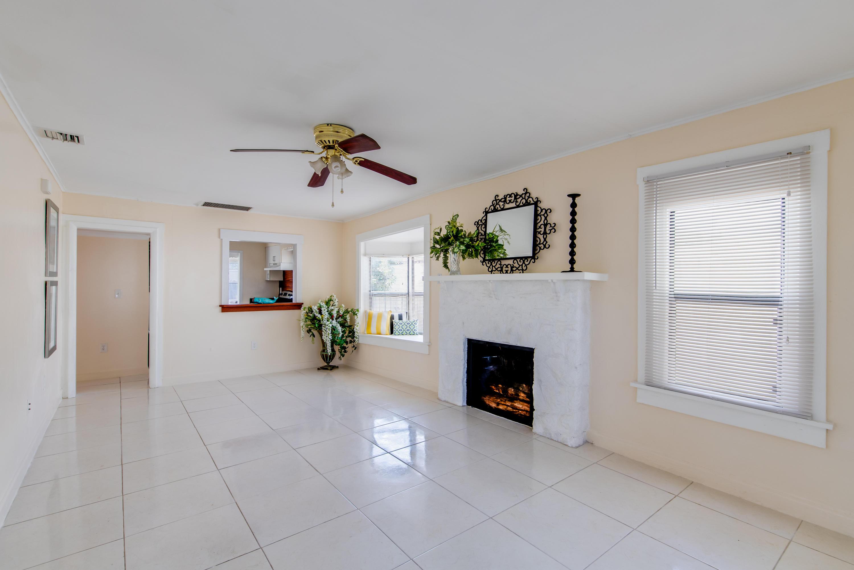 524 55th Living Room
