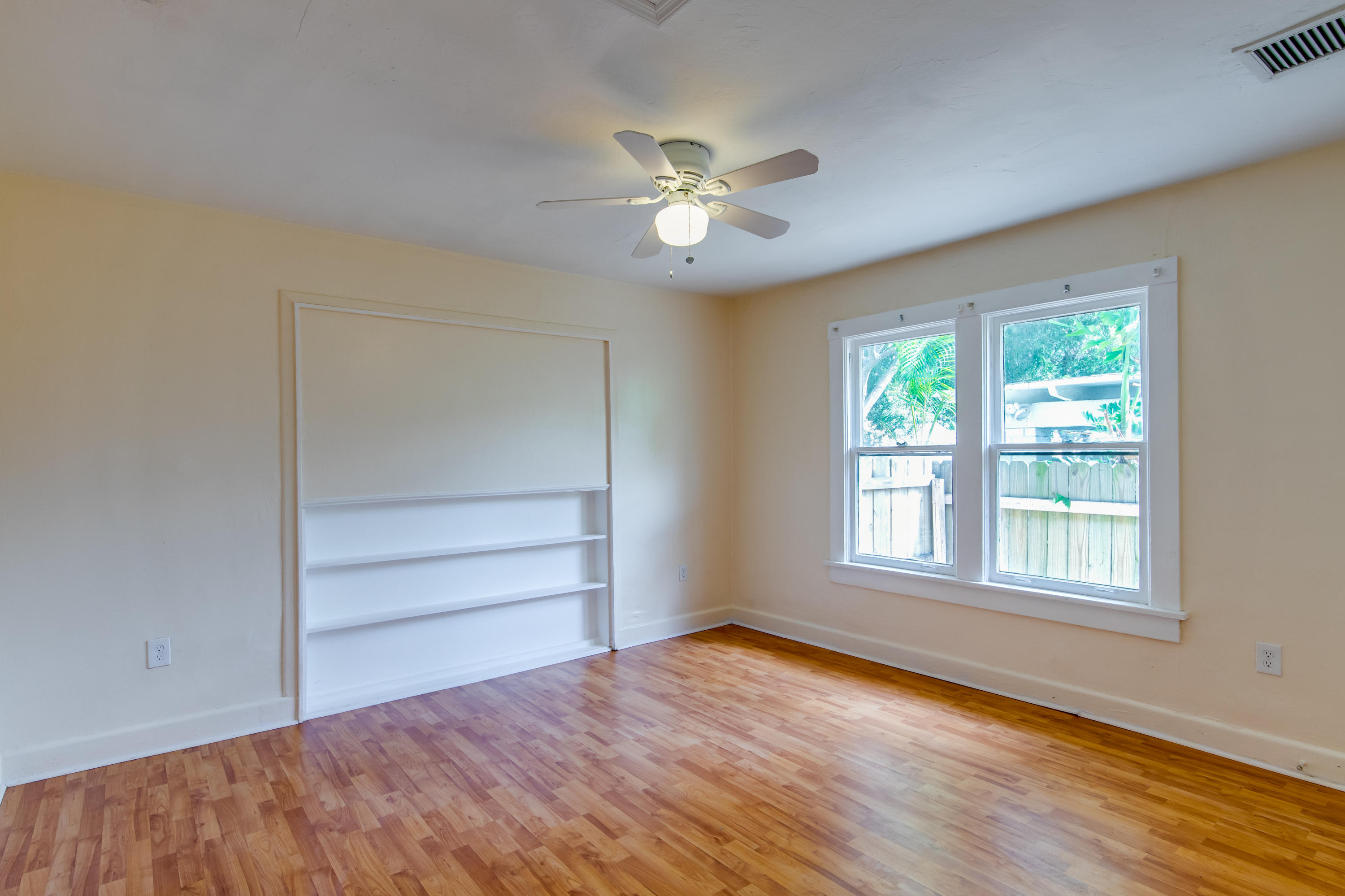 524 55th St Bed Room 1