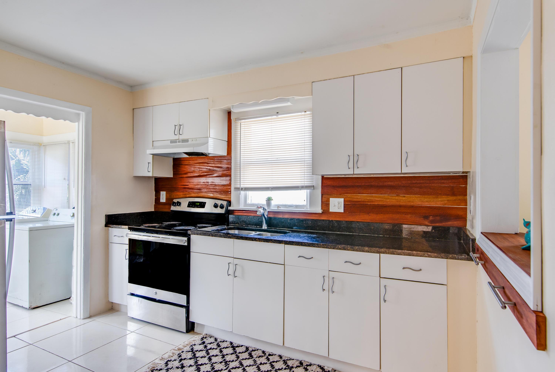 524 55th St Kitchen