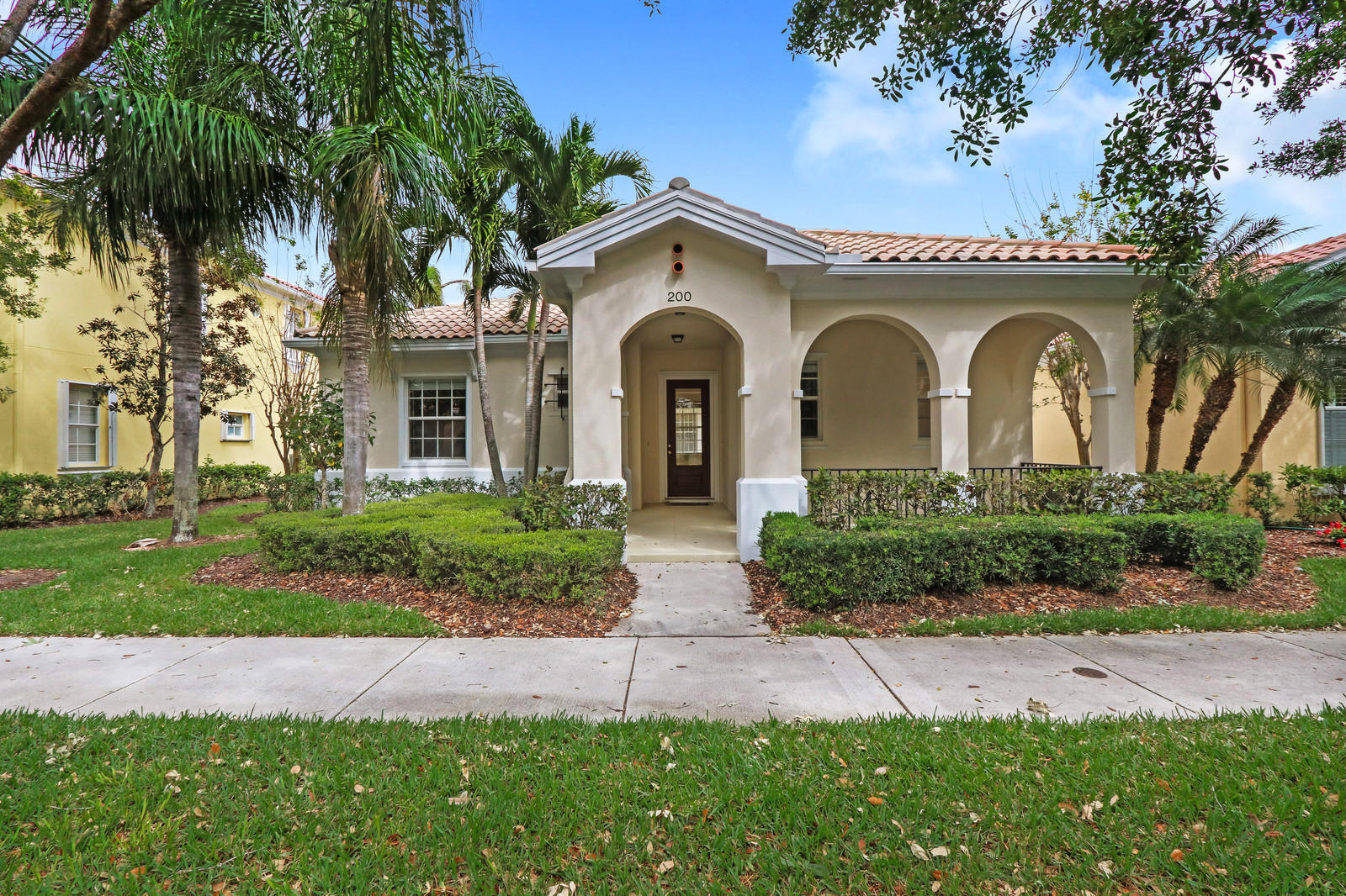 200 Florence Drive, Jupiter, Florida 33458, 3 Bedrooms Bedrooms, ,2.1 BathroomsBathrooms,A,Single family,Florence,RX-10697402