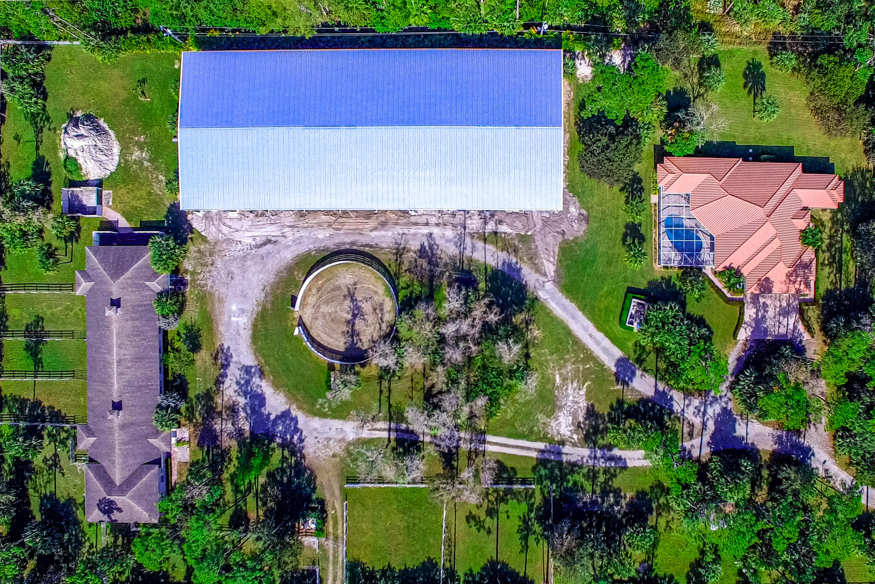 AERIAL WITH COVERED ARENA