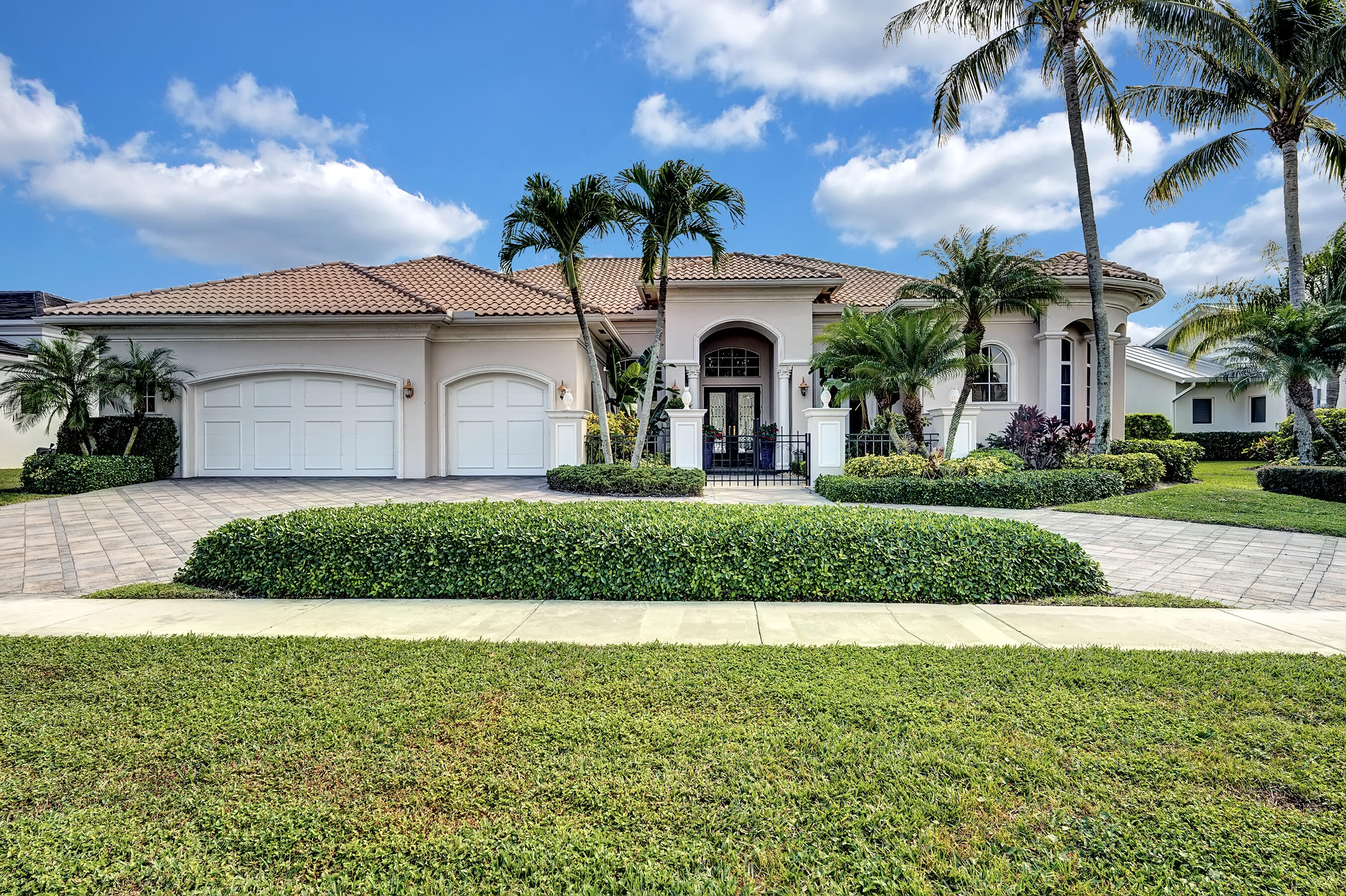 4820 Cherry Laurel Lane, Delray Beach, Florida 33445, 4 Bedrooms Bedrooms, ,4.1 BathroomsBathrooms,Single Family Detached,For Sale,Cherry Laurel,RX-10701030