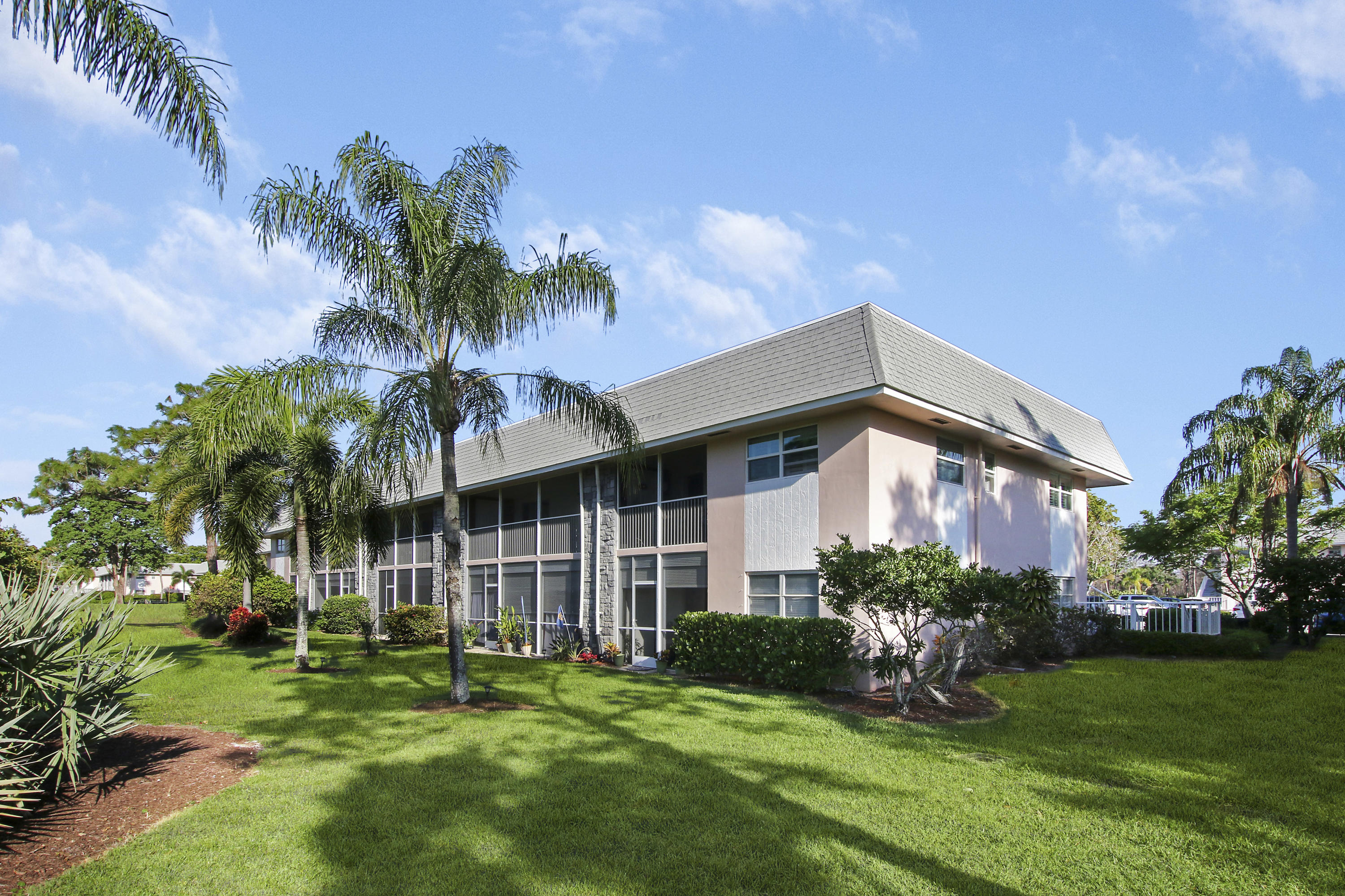 18081 Country Club Drive 147, Tequesta, Florida 33469, 2 Bedrooms Bedrooms, ,1.1 BathroomsBathrooms,A,Condominium,Country Club,RX-10700713