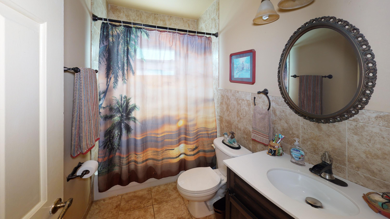 220-Infanta-Ave-Bathroom(1)
