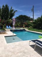 Beach bungalow Juno Isles! Impact doors and windows. Pool placed five years ago. Newer air conditioner. Room for a boat.