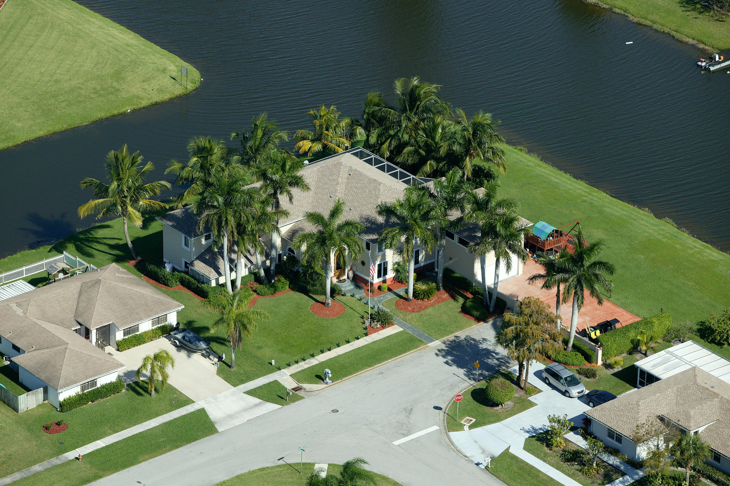 EXT Arial Royal Palm