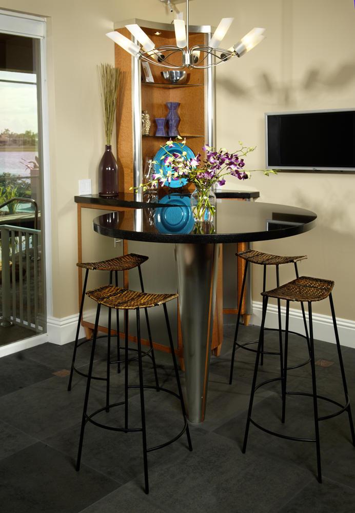 INT Vignette Royal Palm Kitchen Bar top