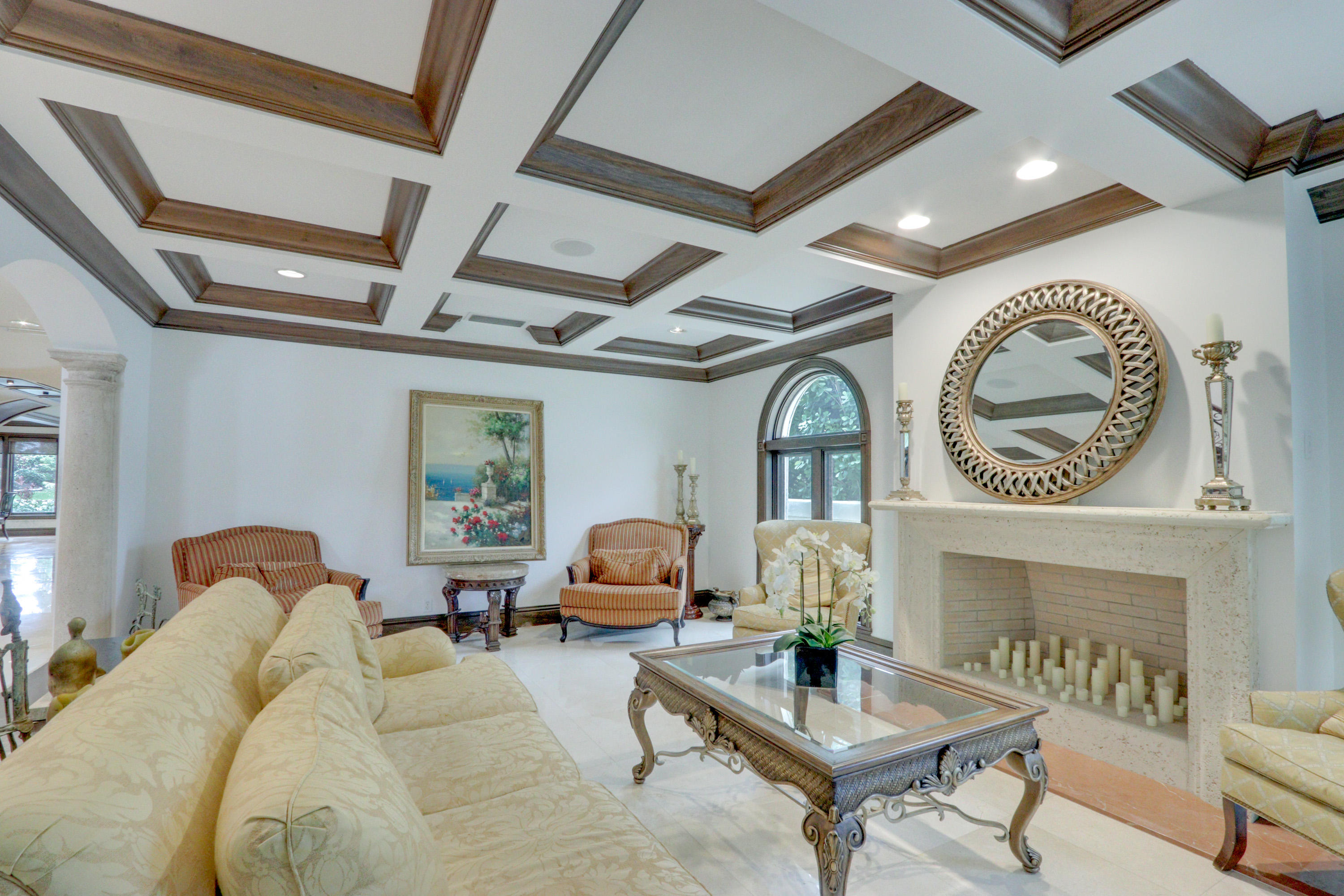 Formal Living Room w/Fireplace