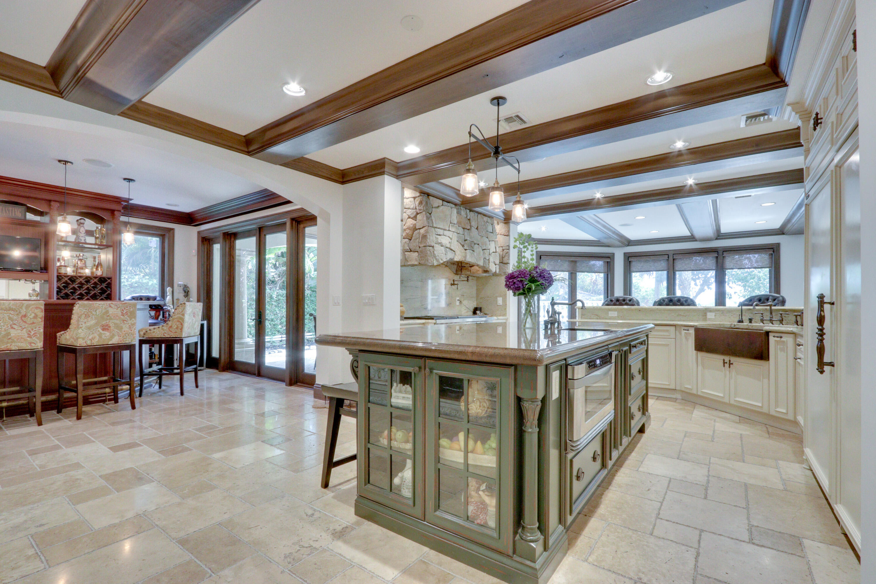 Large Chef's Gourmet Kitchen