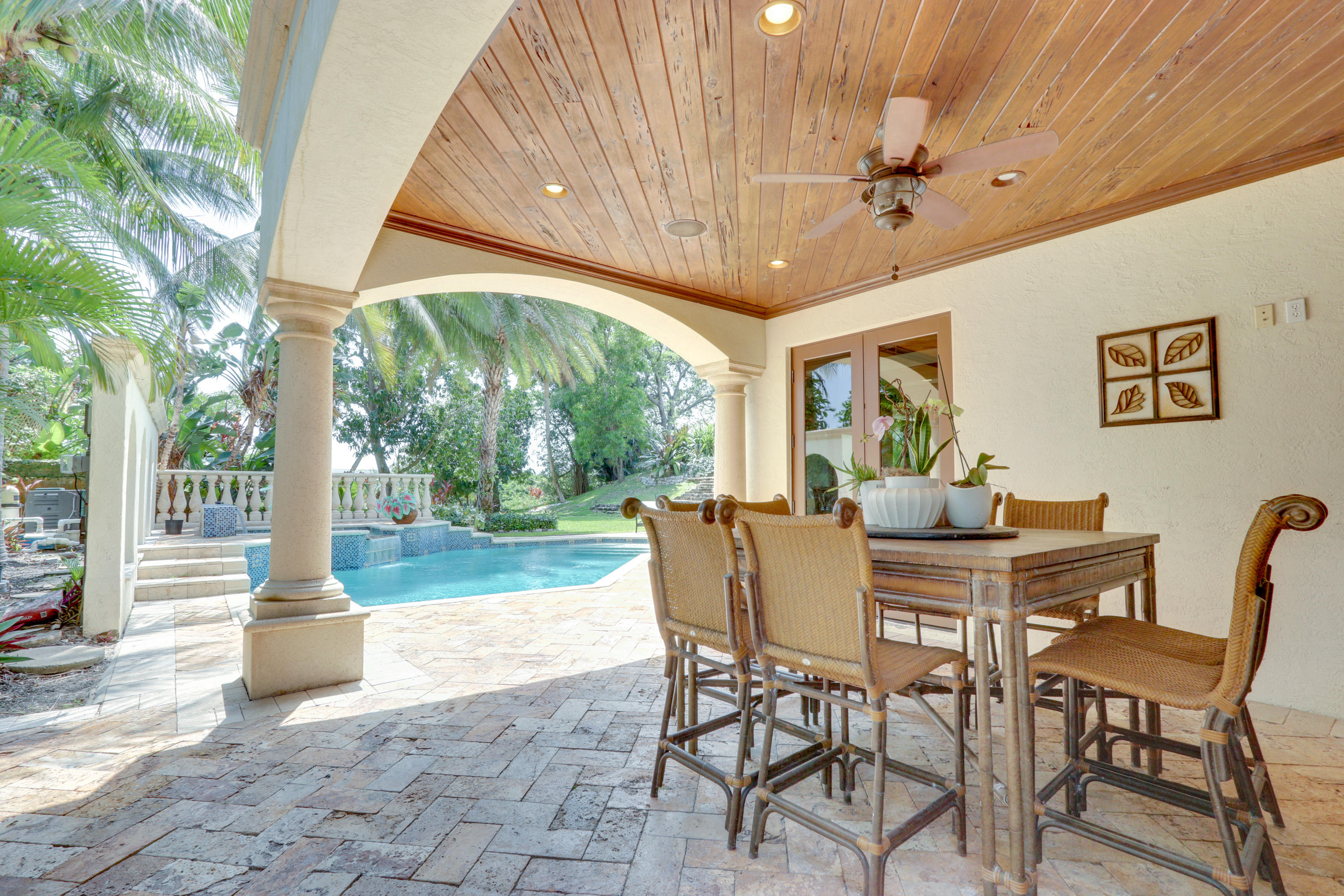 Covered  Patio Breakfast Area