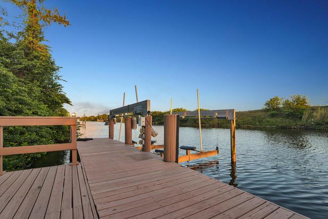 Boat Lift / 60' Dock