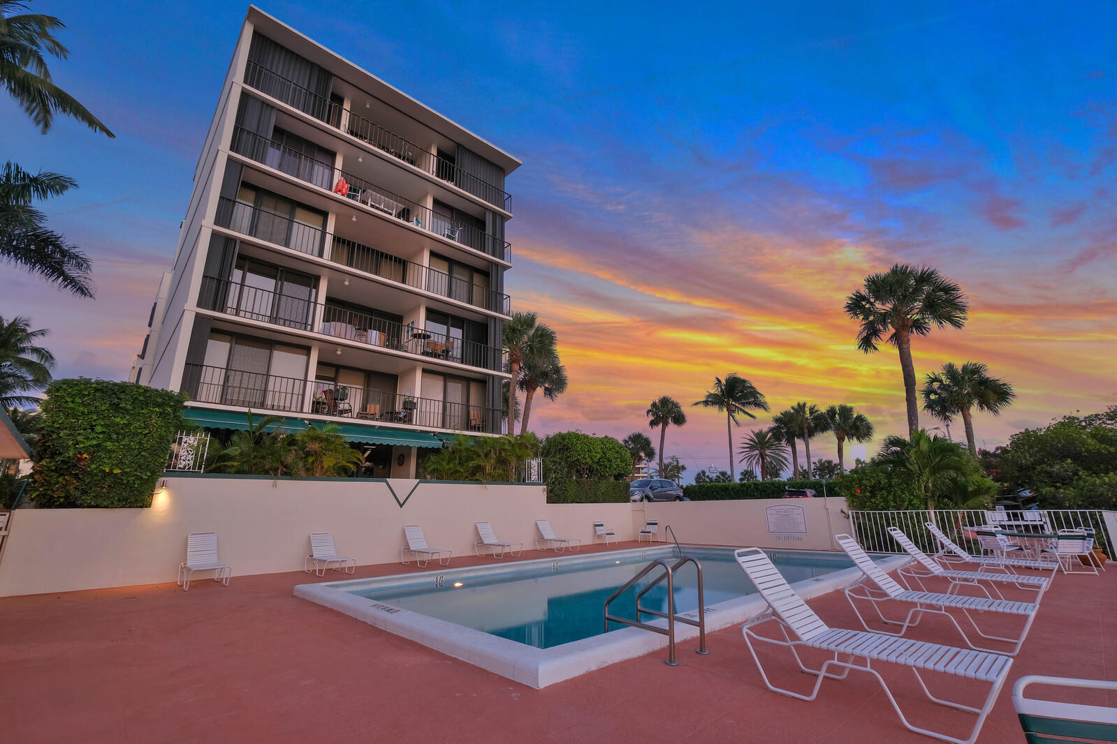 225 Beach Road 403, Tequesta, Florida 33469, 2 Bedrooms Bedrooms, ,2 BathroomsBathrooms,A,Condominium,Beach,RX-10705699