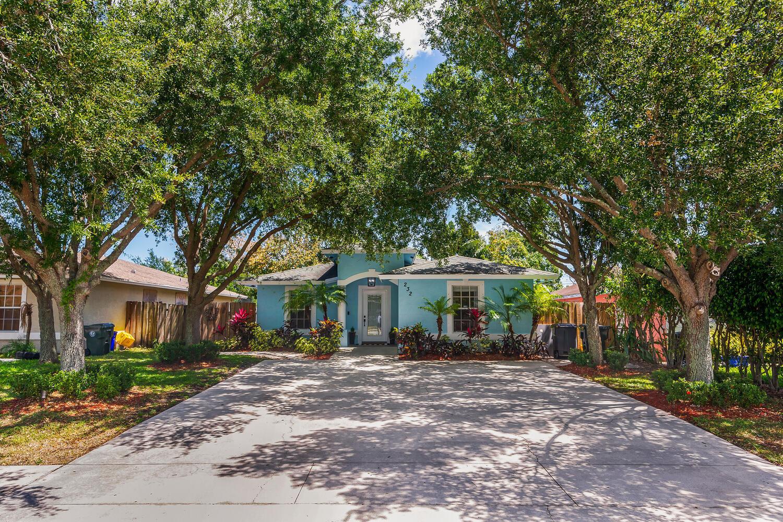 232 Broward, Greenacres, Florida 33463