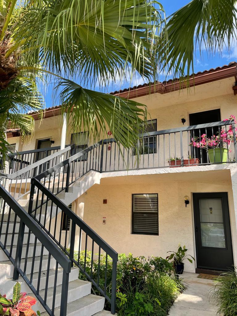22100 Palms Way, Boca Raton, Florida 33433, 2 Bedrooms Bedrooms, ,2 BathroomsBathrooms,Rental,For Sale,Palms,RX-10706821