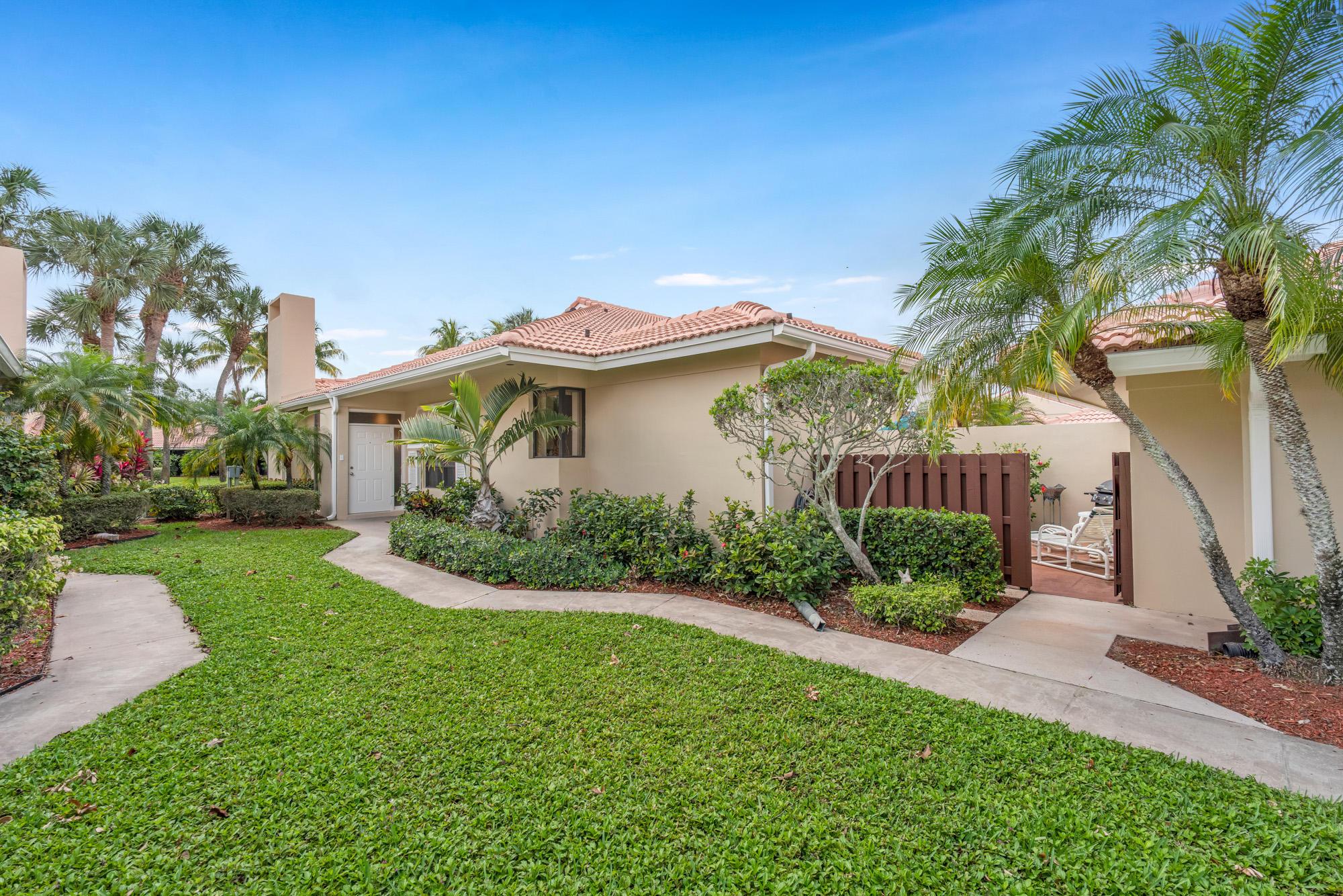 135 Old Meadow Way, Palm Beach Gardens, Florida 33418, 2 Bedrooms Bedrooms, ,2 BathroomsBathrooms,F,Villa,Old Meadow,RX-10707036