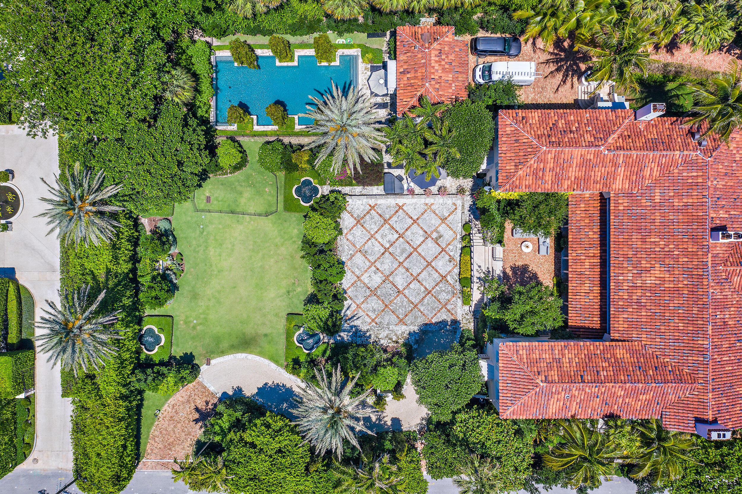 Photo of 125 Via Del Lago, Palm Beach, FL 33480