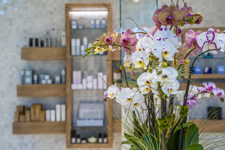 Spa Retail Flowers- Hi Res