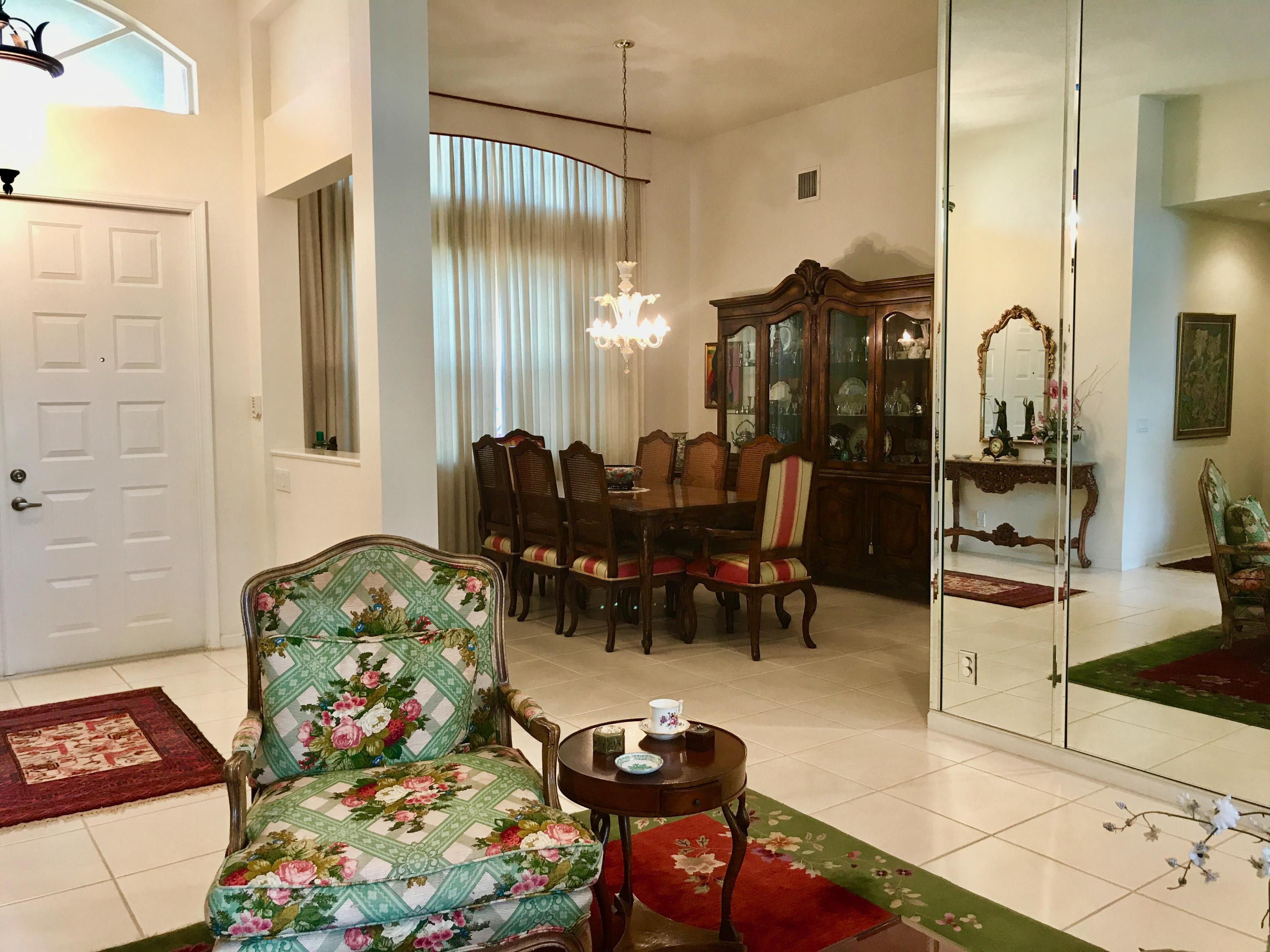 Foyer entry and diningroom