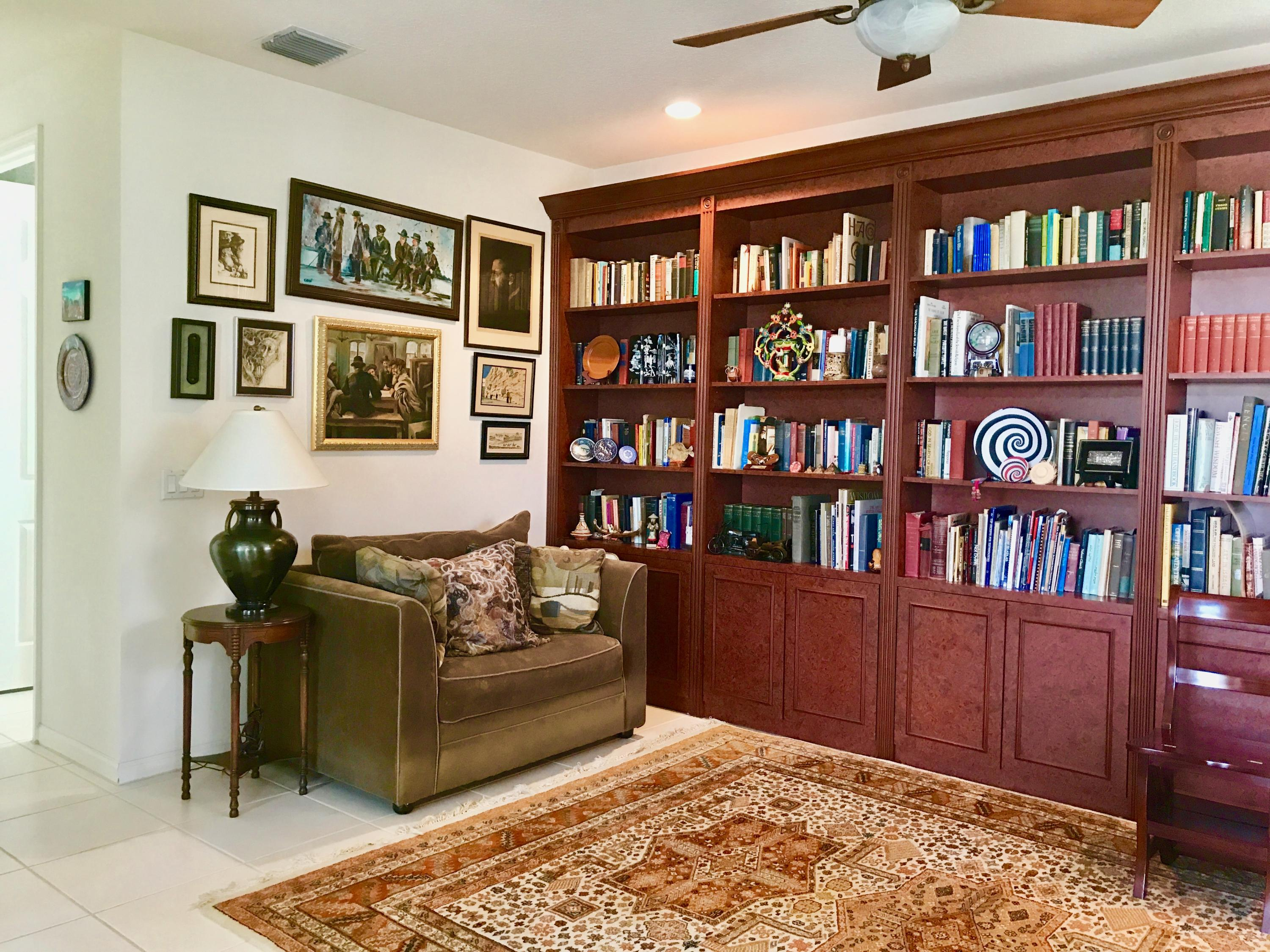 Library/Den could be 3rd bedroom