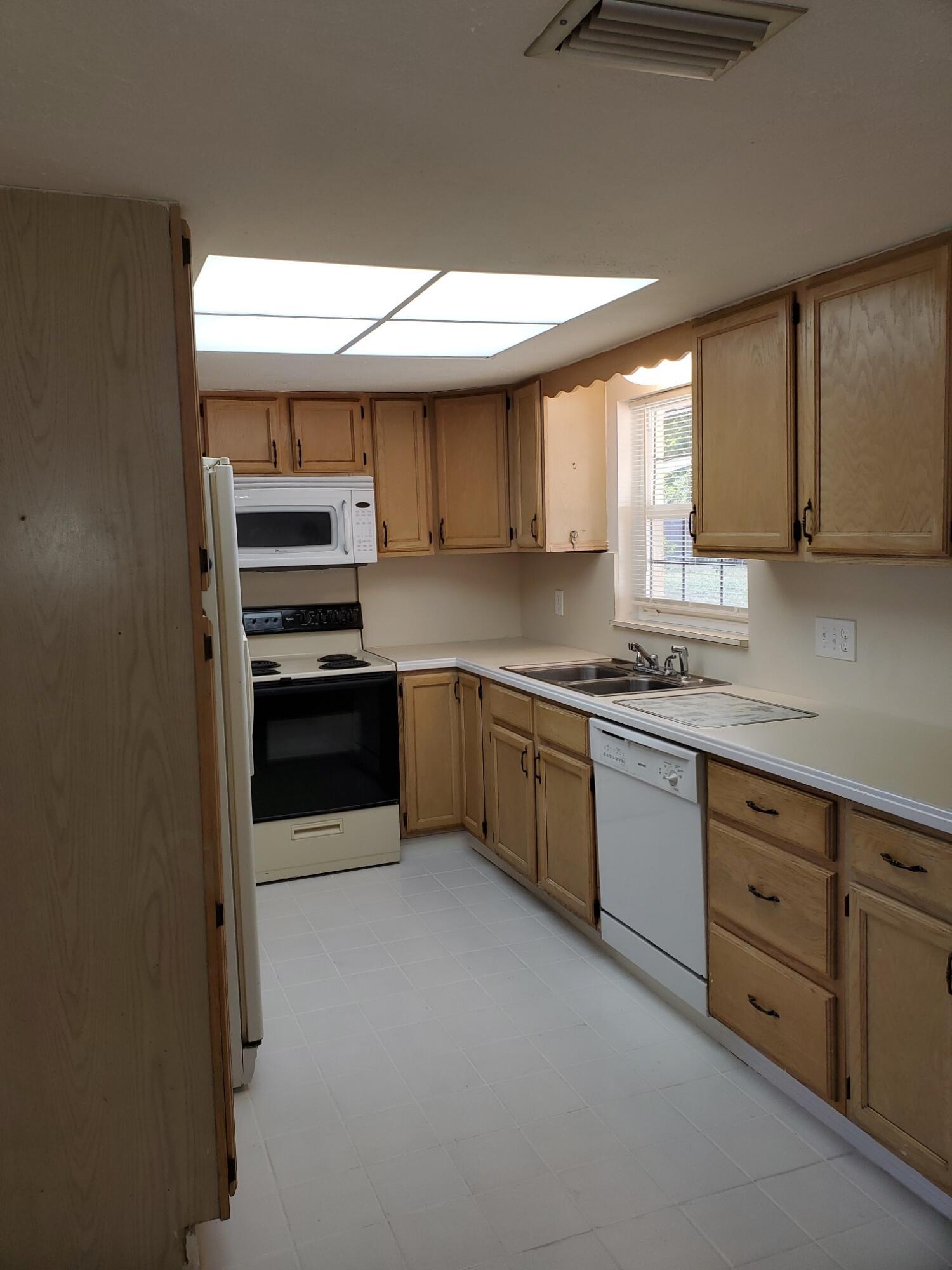 581 galley kitchen