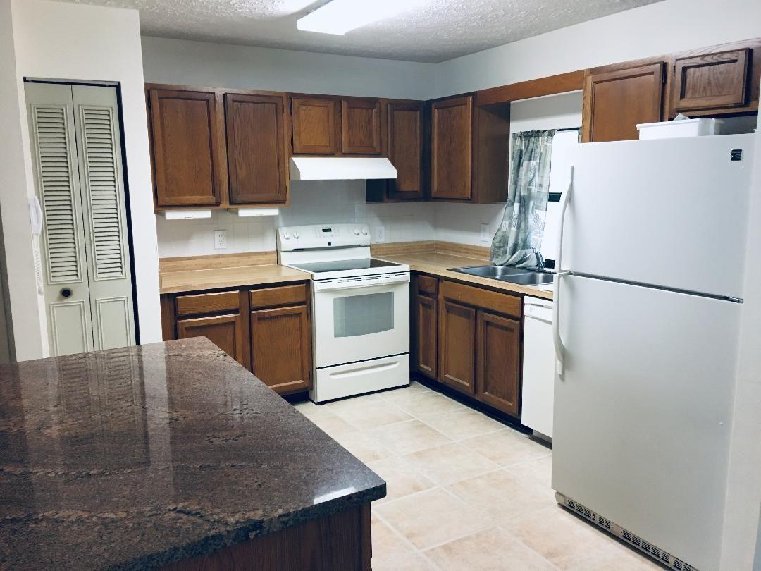 Duval 429 kitchen