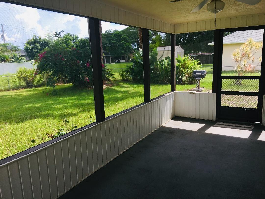 Duval 429 scrd porch