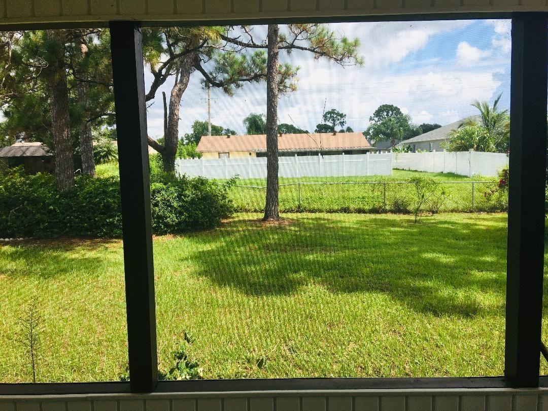 Duval 429 backyard