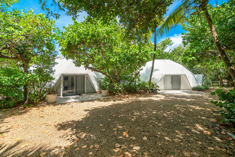 1860 Ocean Boulevard, Manalapan, Florida 33462, 4 Bedrooms Bedrooms, ,3 BathroomsBathrooms,Single Family Detached,For Sale,Ocean,RX-10716726