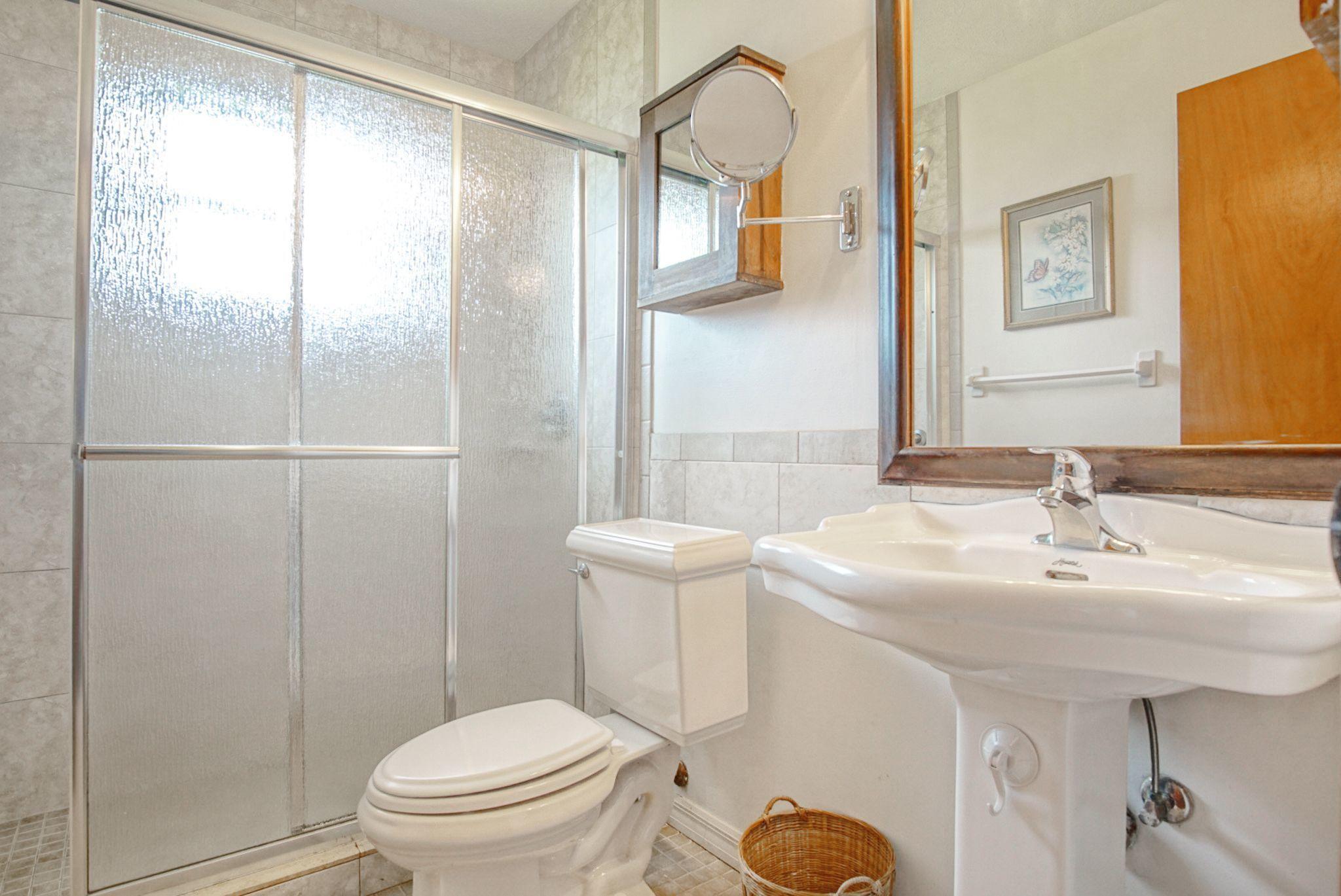 Irving Guest bathroom