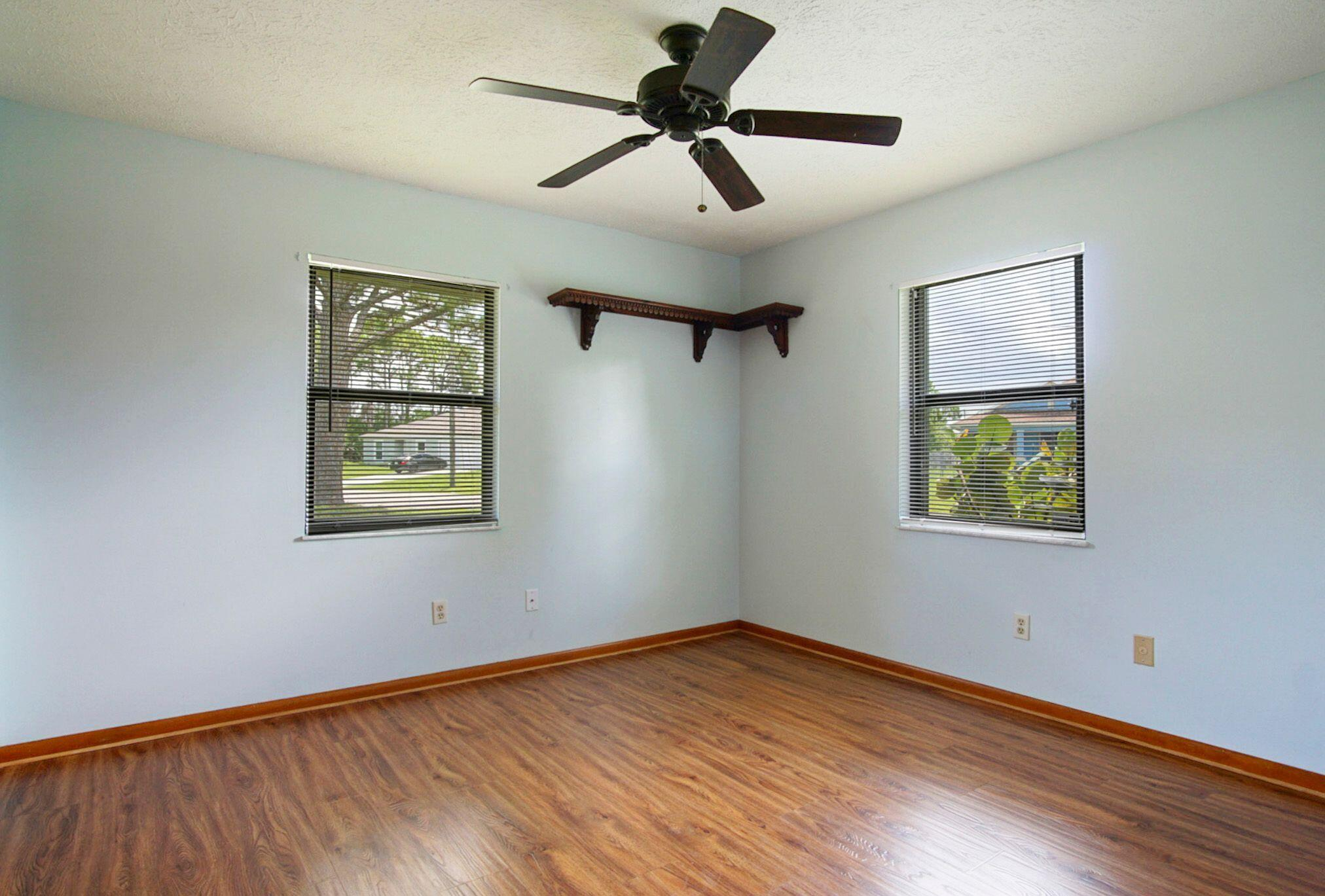 Irving guest bedroom