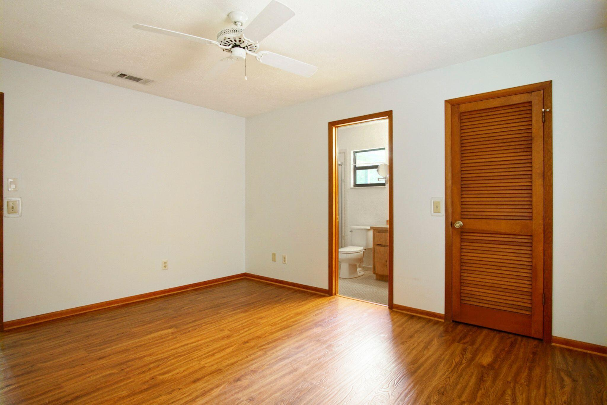 Irving Master bedroom.bath