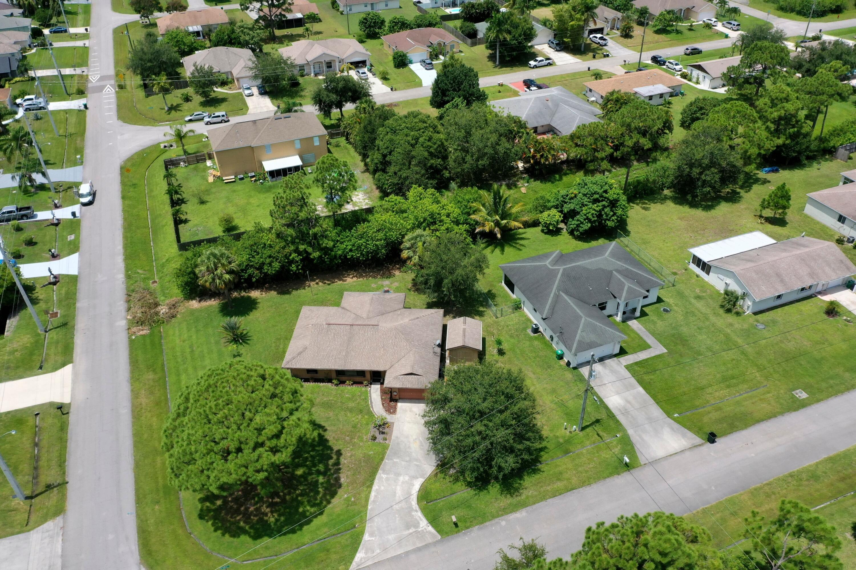 Irving Neighborhood Overview
