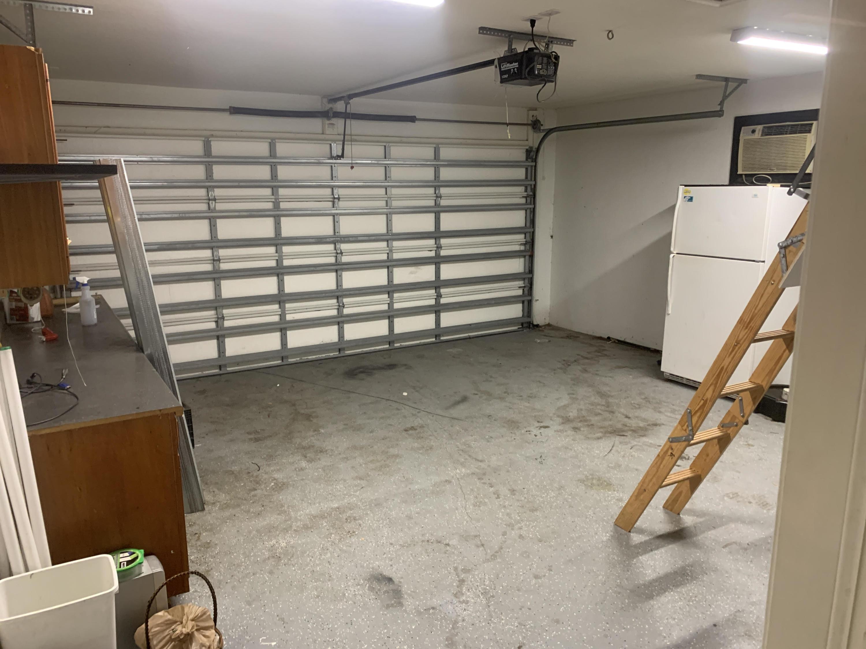 1973 garage