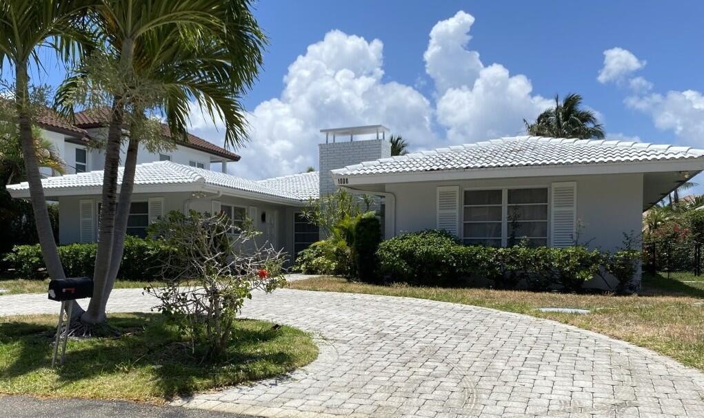 Delray Beach, Florida 33483, 5 Bedrooms Bedrooms, ,2.1 BathroomsBathrooms,Single Family Detached,For Sale,RX-10726358