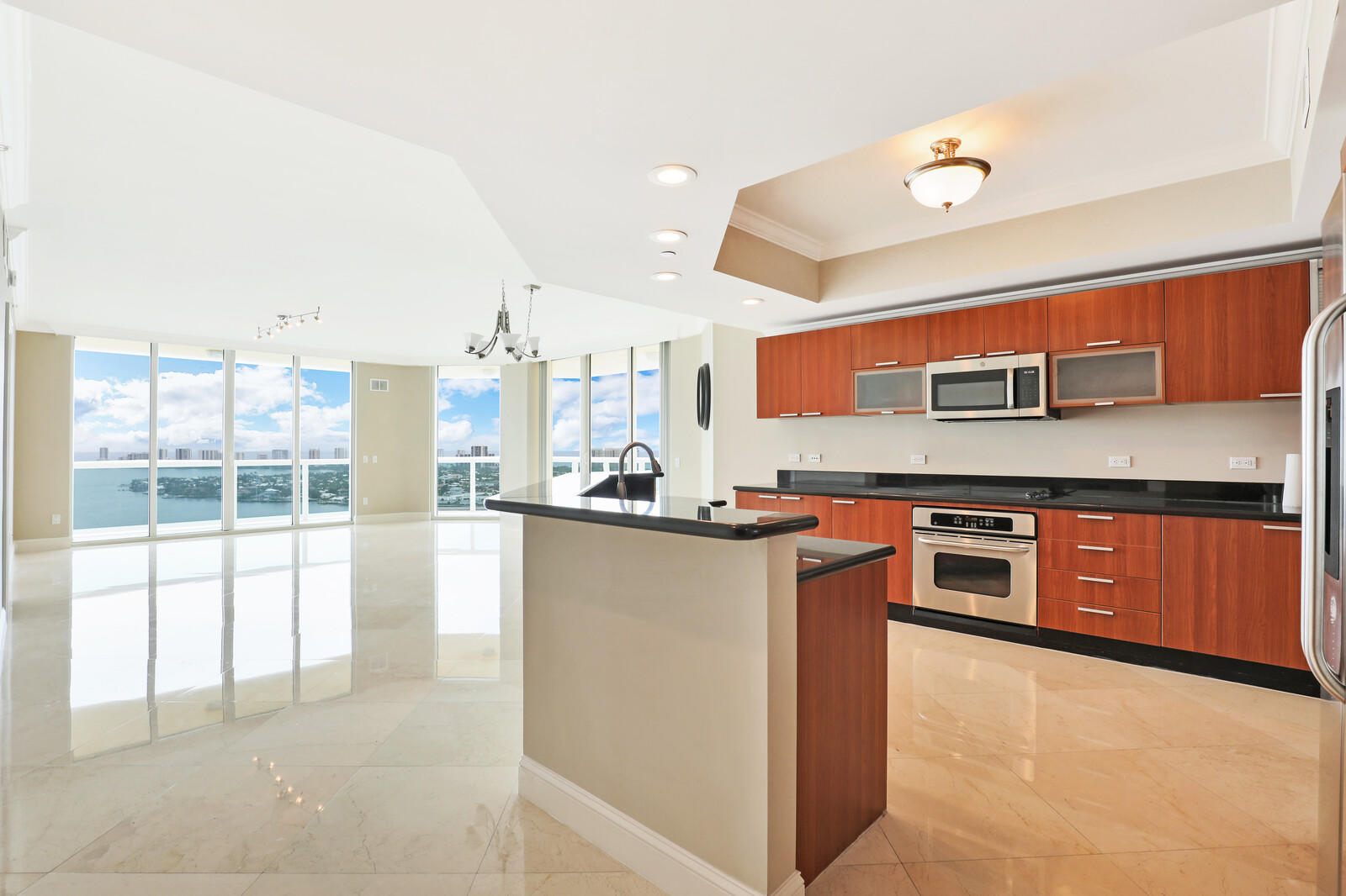 2650 Lake Shore Drive 2406, Riviera Beach, Florida 33404, 3 Bedrooms Bedrooms, ,3.1 BathroomsBathrooms,F,Condominium,Lake Shore,RX-10727193