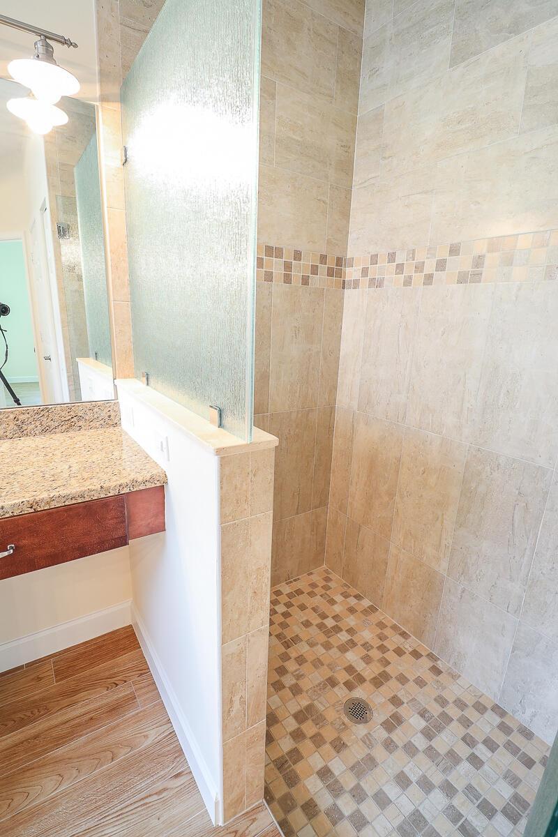 21-Master Bathroom