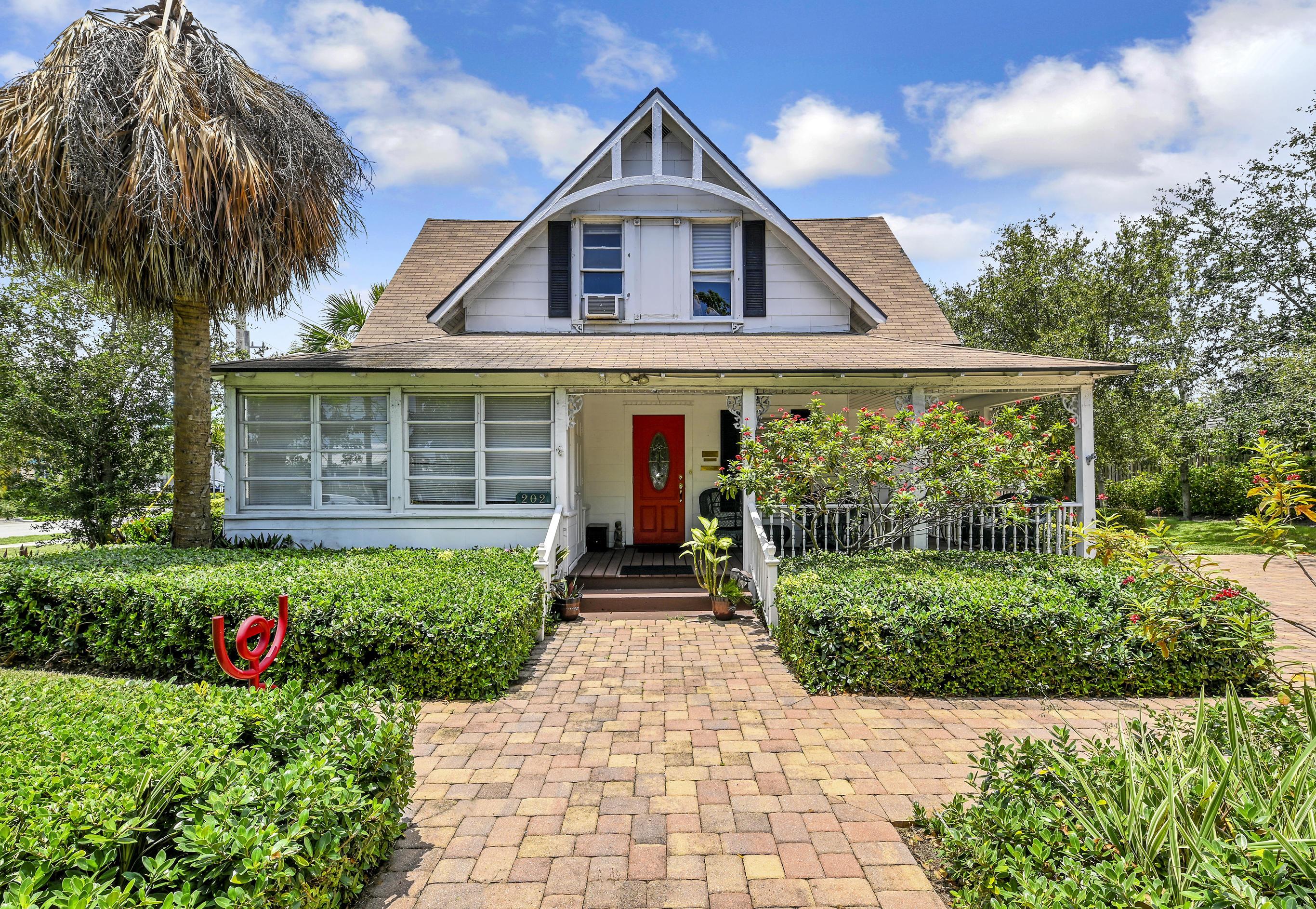 202 Swinton Avenue, Delray Beach, Florida 33444, 5 Bedrooms Bedrooms, ,3.1 BathroomsBathrooms,Single Family Detached,For Sale,Swinton,RX-10733662