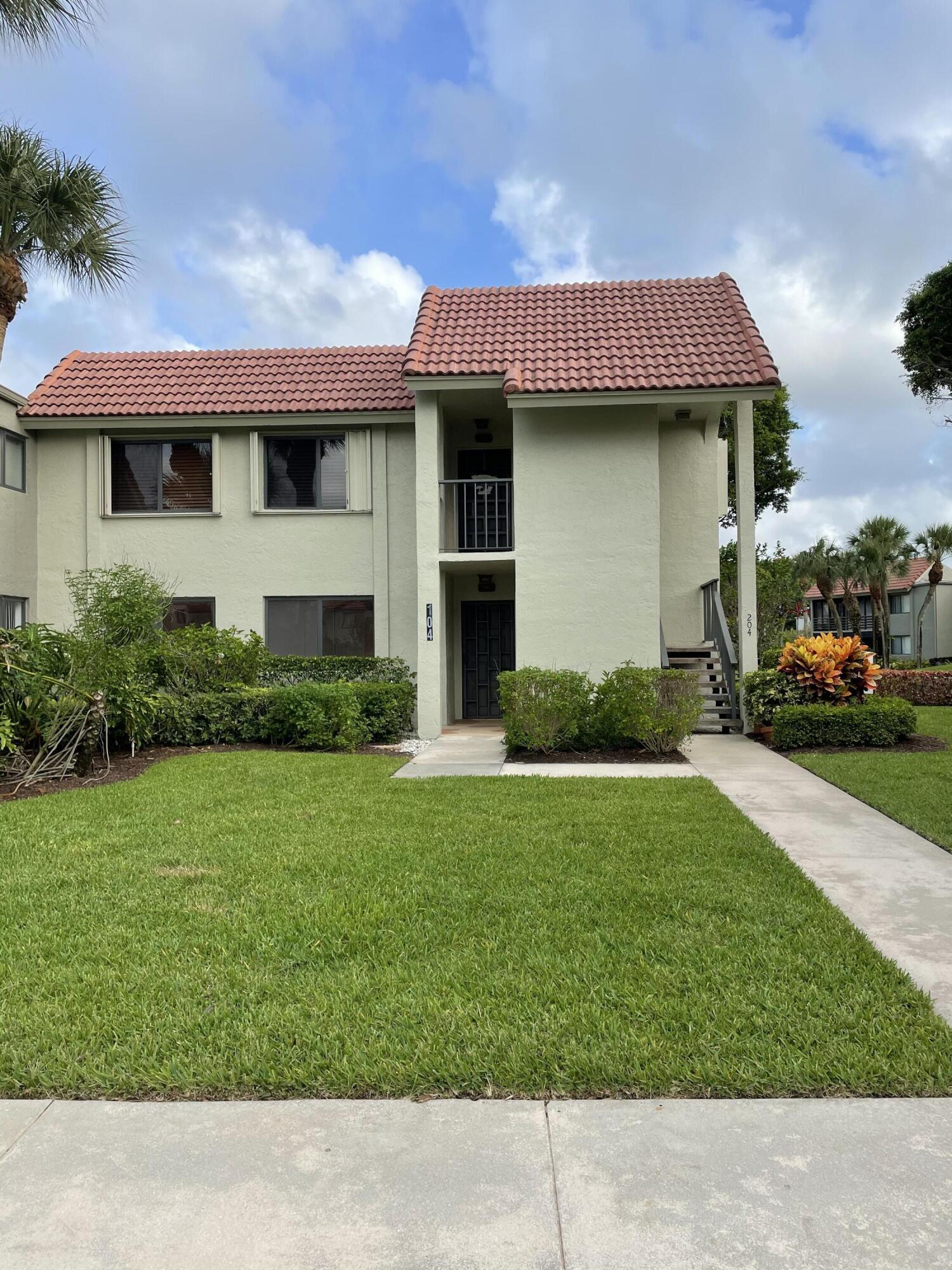 5674 Fairway Park Unit 204, Boynton Beach, Florida 33437