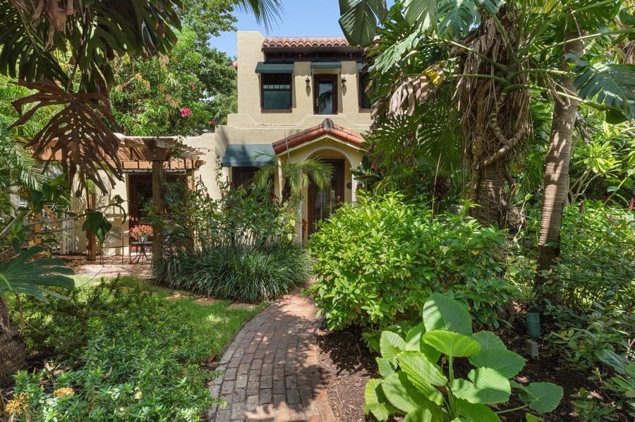 106 7th Avenue, Delray Beach, Florida 33483, 3 Bedrooms Bedrooms, ,3.1 BathroomsBathrooms,Single Family Detached,For Sale,7th,RX-10732548