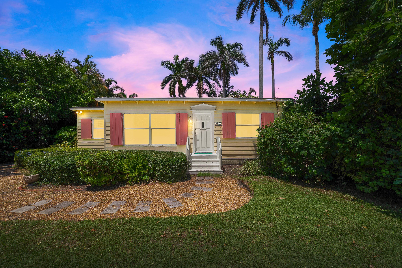 220 Andrews Avenue, Delray Beach, Florida 33483, 4 Bedrooms Bedrooms, ,3 BathroomsBathrooms,Single Family Detached,For Sale,Andrews,RX-10738197