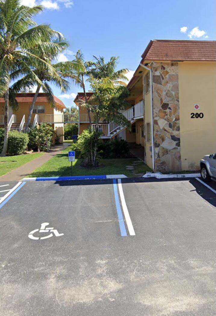 200 Croton Unit 202, Lantana, Florida 33462