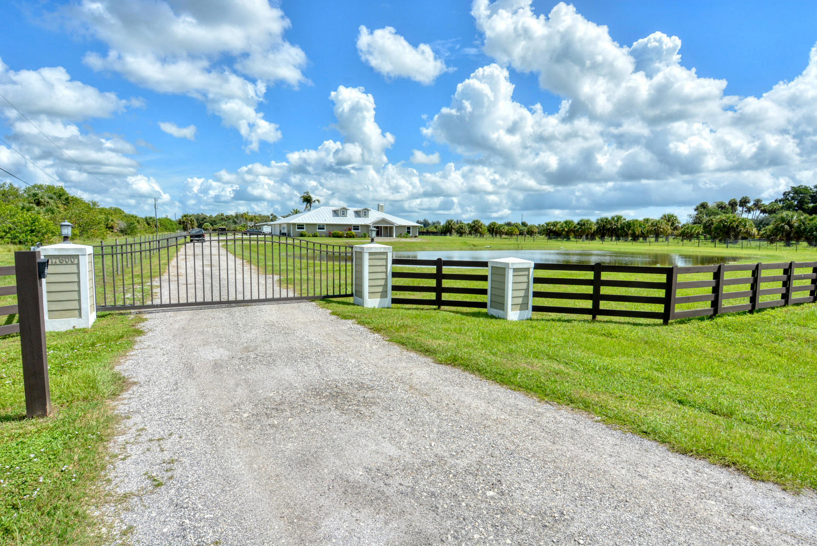 17600 Pineapple, Fort Pierce, Florida 34945